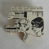 Girls comic jigsaw brooch.  Quirky, vintage comic, recycled jigsaw piece brooch.