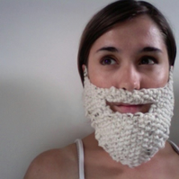 Knitted Creamy White Beard