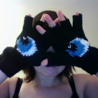 Knitted Black Eye Gloves - RESERVED FOR WOMAMA