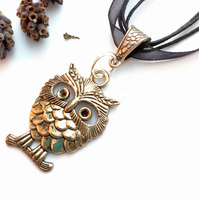 Owl Charm Pendant, Jet Black, Rustic, Earthy, Hippie, Gift, Woodland.