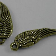 25 x Tiny Antique Bronze wings