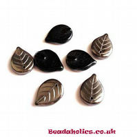 20 x Czech Glass Lustered Black Leaves