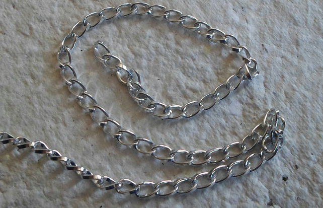 1 metre of Aluminium Chain
