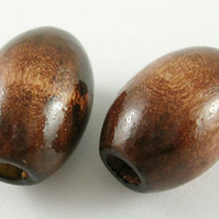 Pack of 30 x  17mm Wooden Rice Beads
