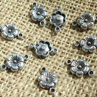 10 x lovely flower connectors