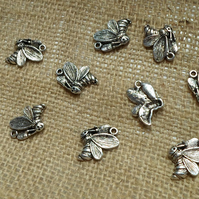20 lovely Bee charms