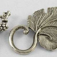 5 Sets Leaf toggle clasps Tibetan style