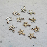 20 Antique Silver Star charms