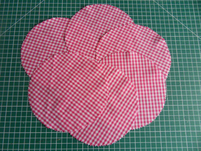 6 Jam pot dollies, Dark pink small print check