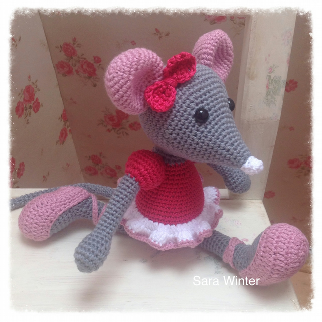 Free Ballerina Outfit Crochet Pattern For Eve Gonk - Hooked On ... | 642x642