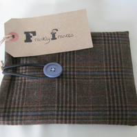 Wool Tweed eReader sleeve, blue cotton lined, padded, fastened with blue button