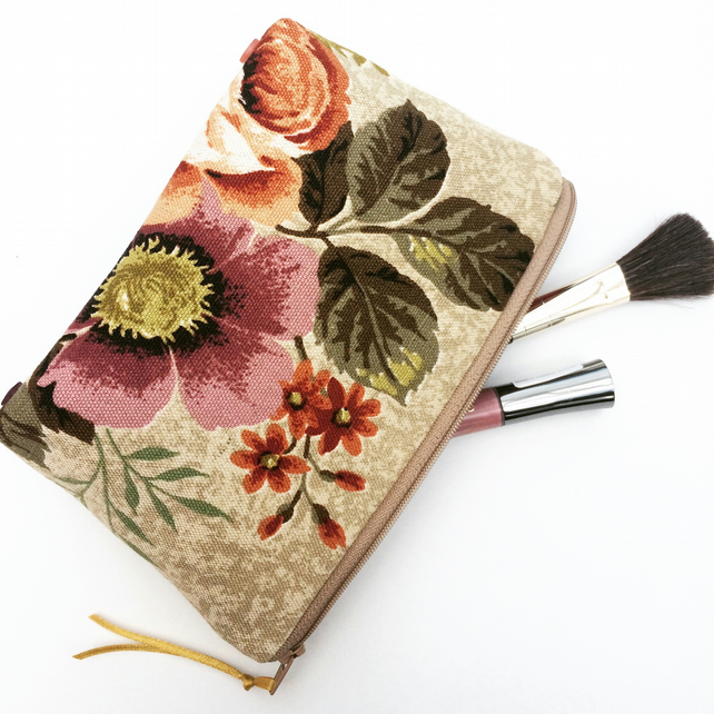 SALE Vintage Floral Print Makeup Bag