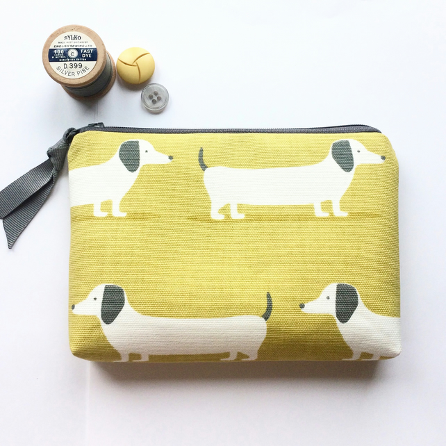 Dachshund pouch, makeup bag, pencil case, coin purse