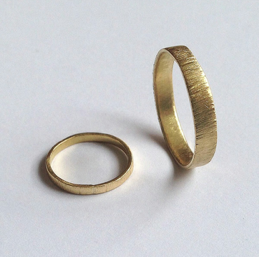 Two Gold Tree Bark Rings - 18 Carat Unisex Bands - UK Hallmark - 2mm and 3mm