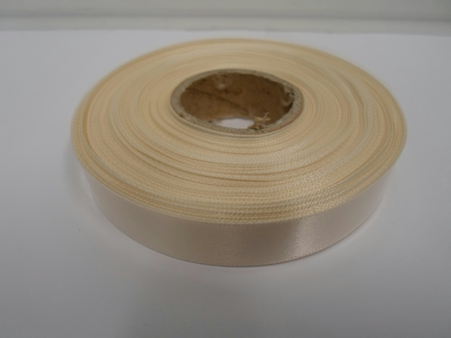 1 roll of 15mm x 25 metres, cream satin ribbon, double sided