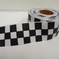 1 roll of 38mm Woven Ribbon x 20 metres, black & White, Square block