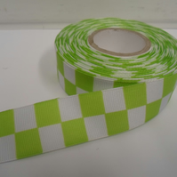 2 metres x 25mm Woven Ribbon Bright Green & White, Square block