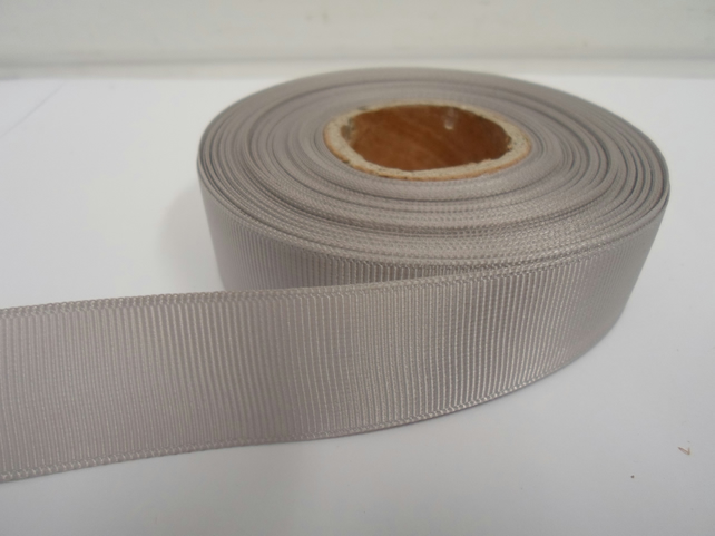 2 metres of 22mm Light Silver , Grey Grosgrain Ribbon, ribbed double sided