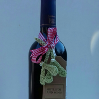 Mistletoe and Wine Crochet Bottle Gift Tag and Decoration
