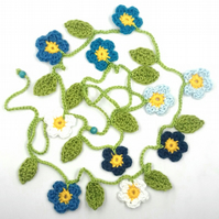 Crochet Flowers Garland in Blues and I White