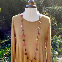 Crochet Flower and Shell Necklace Pink and Spicy