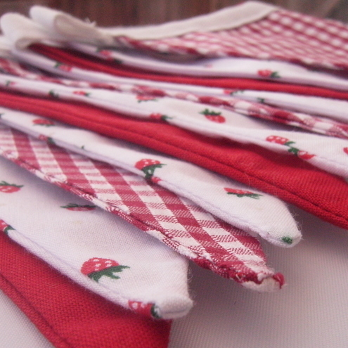 **SALE** Strawberry & Gingham Mini Bunting