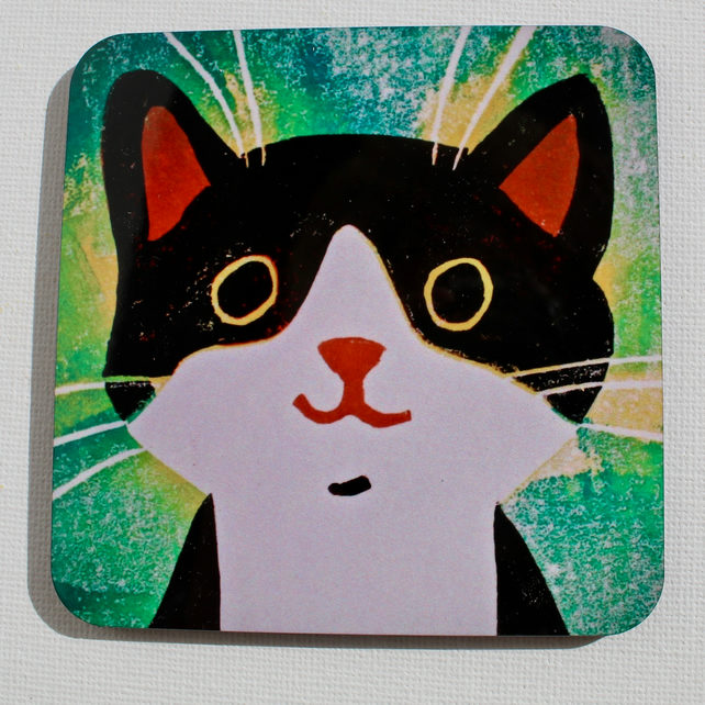 BLACK AND WHITE CAT ON GREEN-SINGLE COASTER