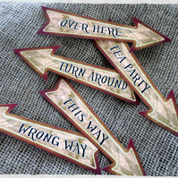 Set of 5 Alice in Wonderland Party Decoration Arrows