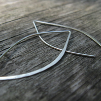 minimalist silver earrings, leaf outline modern thread through wishbone earrings