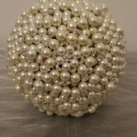 Beautiful Ivory Pearl and Brooch Bouquet