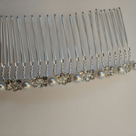 Simple Handmade Diamante and Pearl Hair comb.