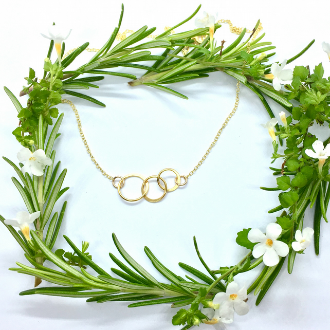 Mother Daughters Family Gold Plated Silver Necklace Three Circles