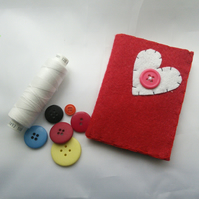 Felt needle case heart