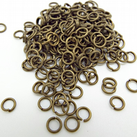 200 Bronze Tone Iron 5mm x 0.8mm Open Jump Rings