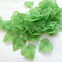 50 Green Frosted Lucite Leaves for Jewellery - 25mm Green Beads