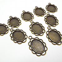 10 Scallop Edge Small Bronze Bezel Tray Pendant Cabochon Settings