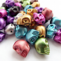 Pack of 25 Skull Beads - 14mm Mixed Colour Acrylic Beads Metallic Style Beads