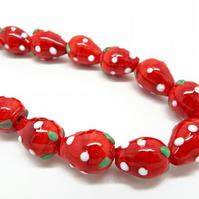 20 Lampwork Glass Strawberry Beads - 16x11mm Fruity Jewellery Beads