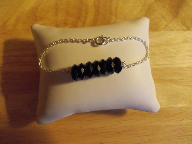 Black agate and chain bracelet