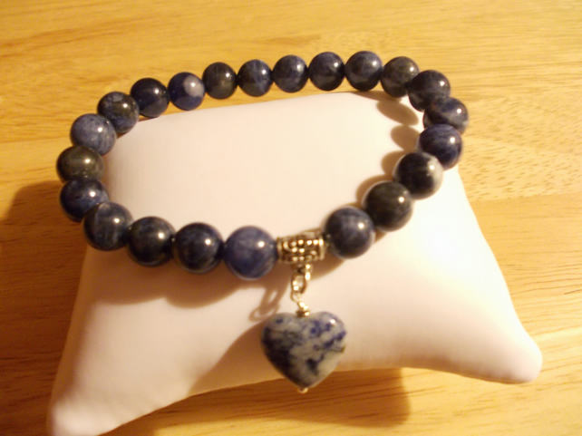 Sodalite heart charm elasticated bracelet