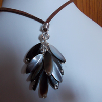 Brown shell marquise tassle necklace