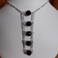 Black agate and chain pendant necklace