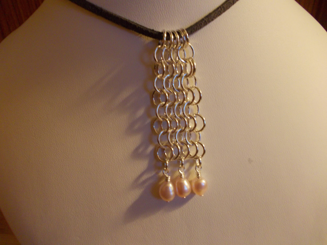 Chainmaille and pearl pendant