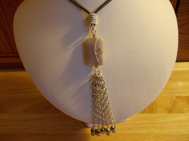 Grey agate and chain tassle pendant