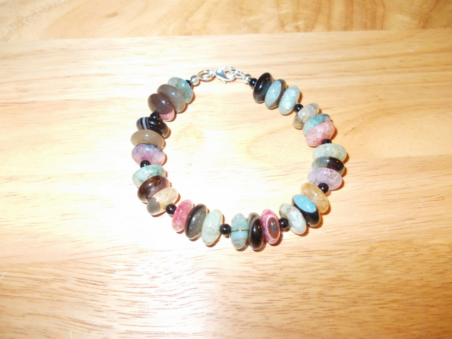 Multi-colour agate wheel bracelet