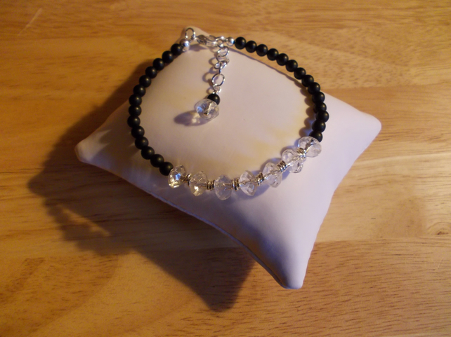 Frosted black agate and clear quartz bracelet