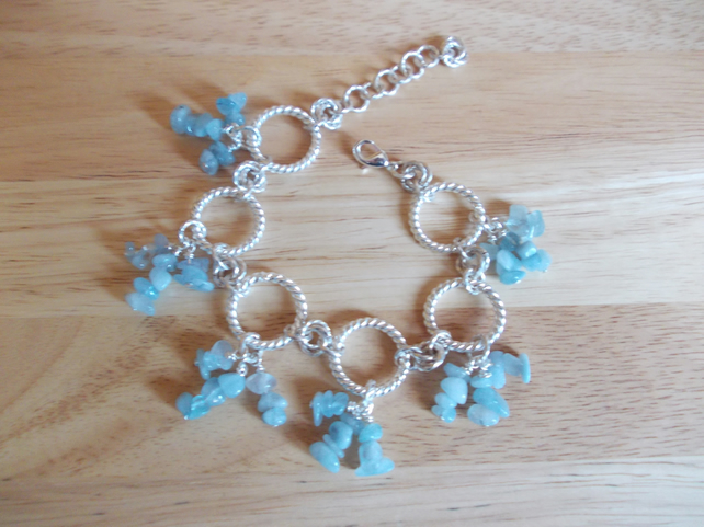 Aquamarine chip chainmaille bracelet