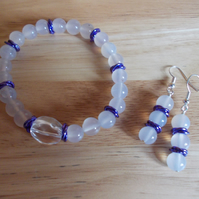 White agate and clear quartz elasticated bracelet