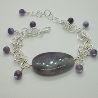 Chainmaille bracelet with Amethyst feature stone