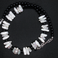Biwa pearl and and black agate necklace